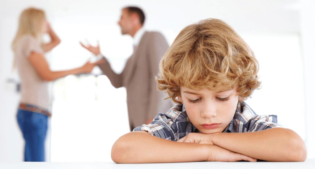 Дети после развода родителей, что делать что бы ребенок не страдал...