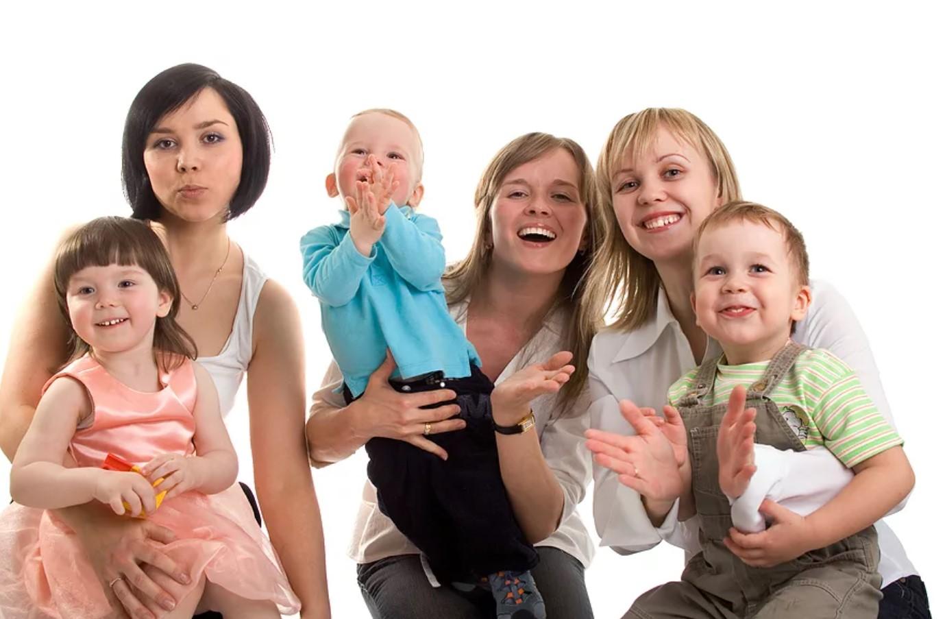 День матери в России в 2020 году: когда и как его отмечают